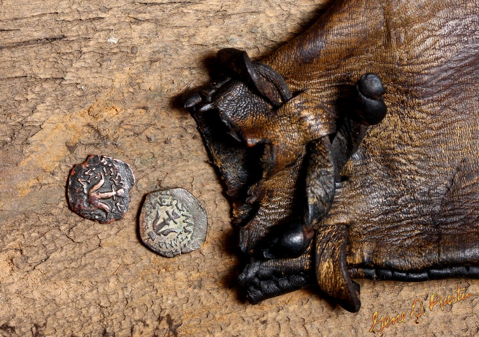 The Widow's Miteswidow-mite_5664.jpgThe Widow's Mite is the ancient small bronze lepton Biblical coin that was placed into the Temple offering box by the poor widow, who gave her last two coins.